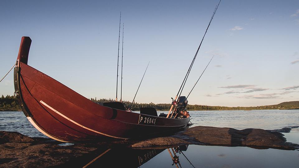 Lohijoen kalastusvene Tornionjoella