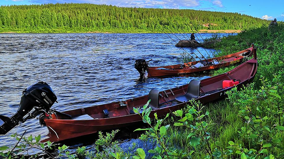 Lohijoen kalastusveneet Tornionjoella